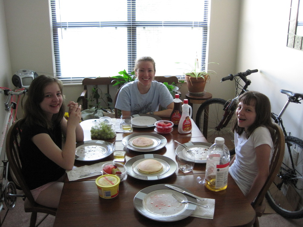 Mary, Chloe, and Miriam at breakfast