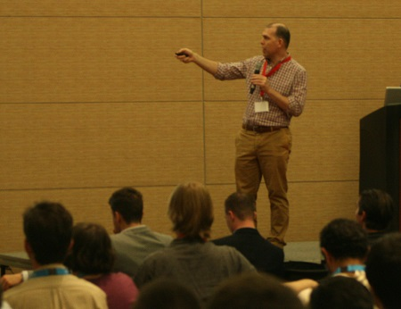 R talks and tutorials at the ODSC East conference (+ 10% discount code)